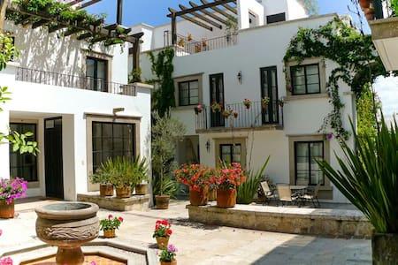 Eternally Spring @ Casa Primavera - San Miguel de Allende - Maison