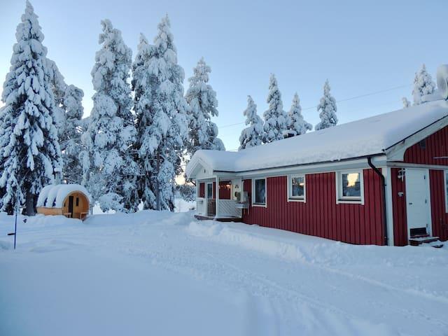 Lapland Villa, lakeview, forest - Nordic Spirit!