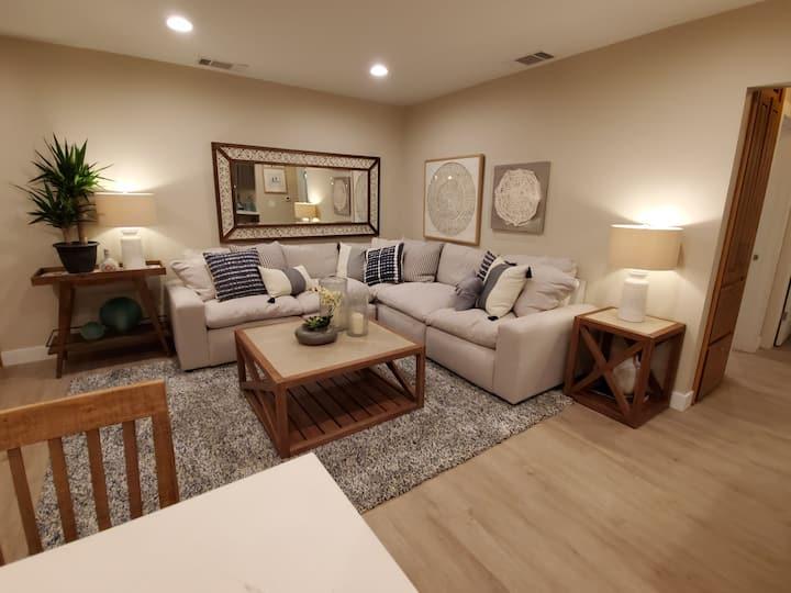 Jackson's Bright Two-Bedroom near Sony Studios