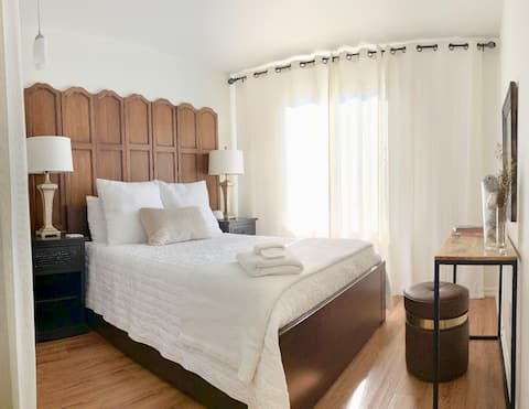 Boutique Bedroom (females only)