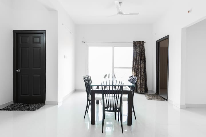 Cozy and Decent Apartment in Gachibowli - Hyderabad - Daire