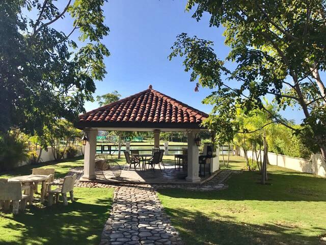 Casa estilo colonial, Buenaventura - Río Hato - Huis