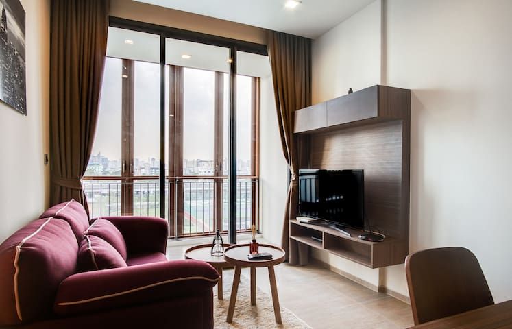 Charming 1 Bed Apt w/ Balcony in Mori HAUS Condominium