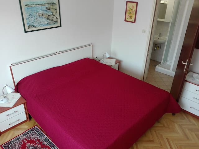 Spacious room with private wc/douche - Umag - Huis