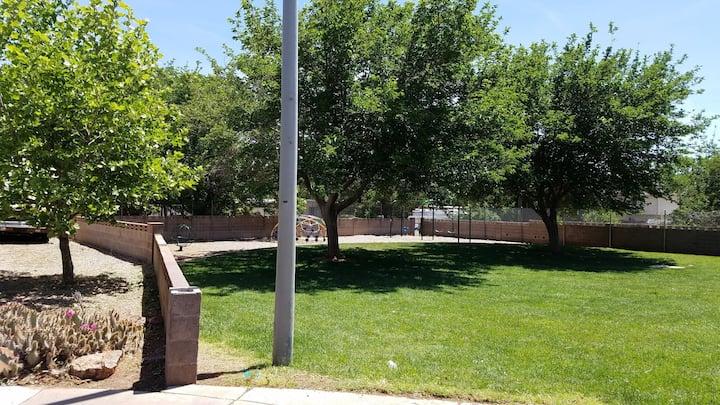 Casita/Sanatized, quiet location. Private parking