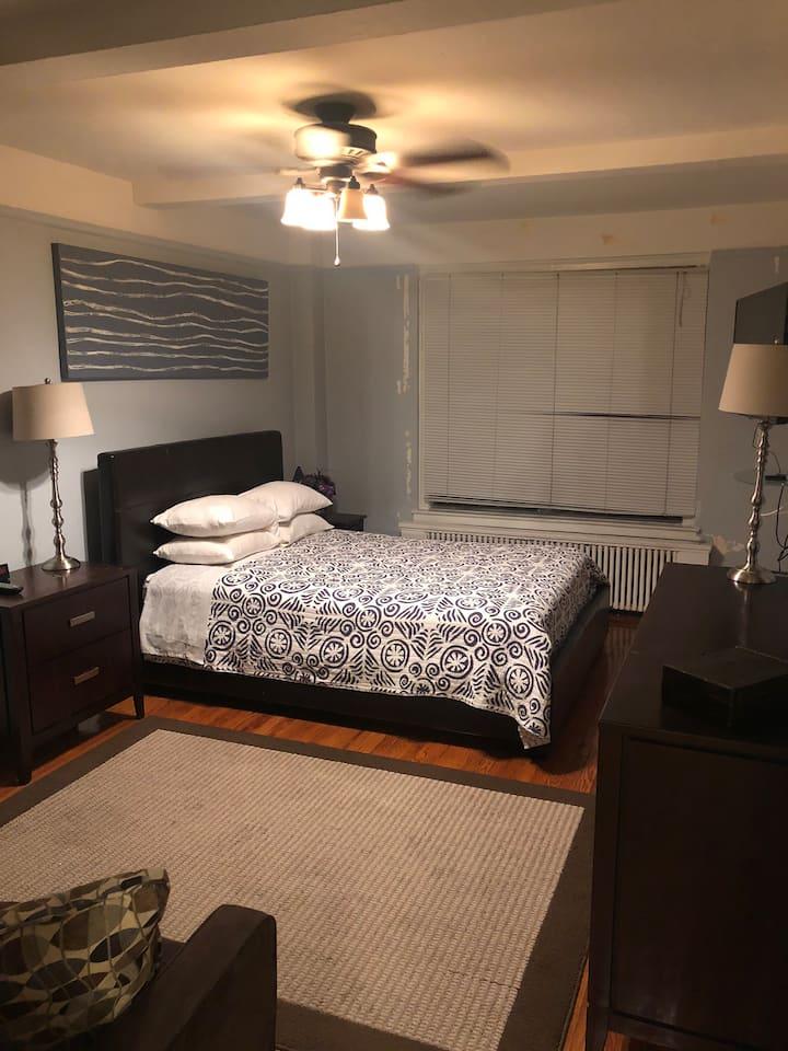 Spacious Master bedroom in Midtown East Doorman