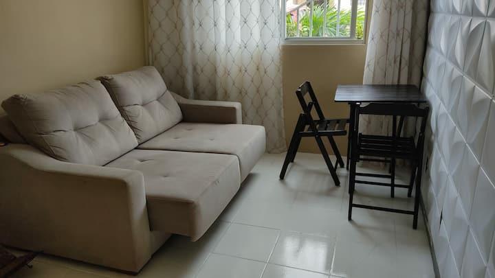 Apartamento mobiliado, confortável, seguro e freco
