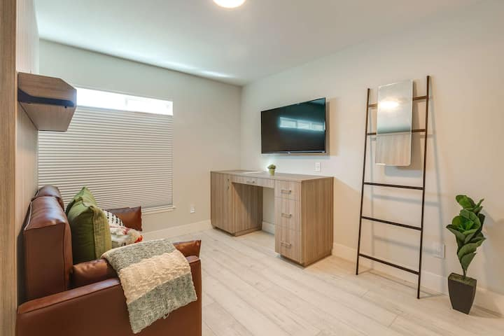 Newly Renovated Private and Chic Suite ***** Mission District