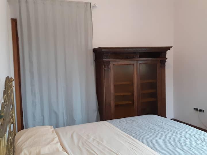 Stanza privata luminosa,villa Toscana,bagno condiv