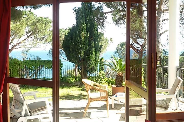 Near Genova Villa with garden 4 pax+2 max 3