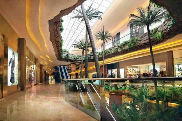 澳门喜来登酒店(专业五星级酒店服务商)提供免费泳池,健身房