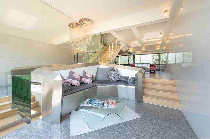 Luxurious 4 BR super clean Thonglor near BTS