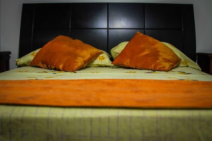 HABITACION GRANDE CON SU BAÑO - Cartagena - Bed & Breakfast