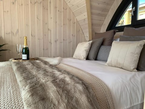 Orkney Lux Lodges with Hot Tub in Stromness