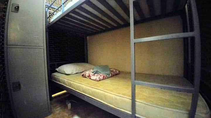 Backpacker's bed 2