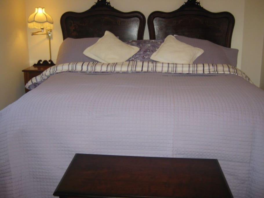 Elizabeth room with oversized king bed