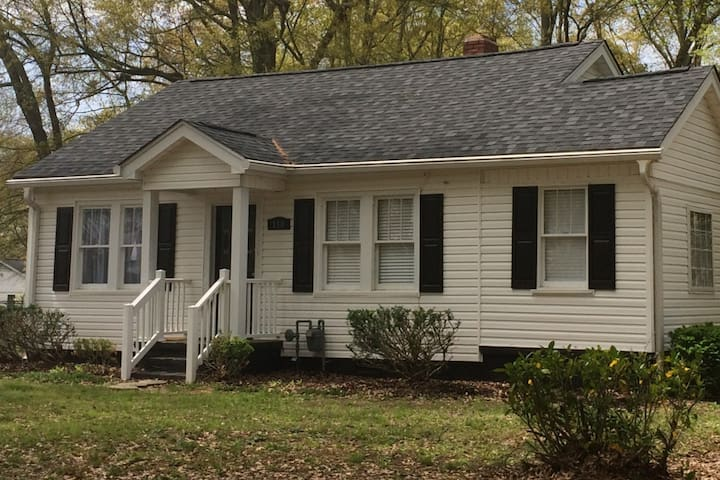 Close to Greenville w/ Simpsonville Family Comfort