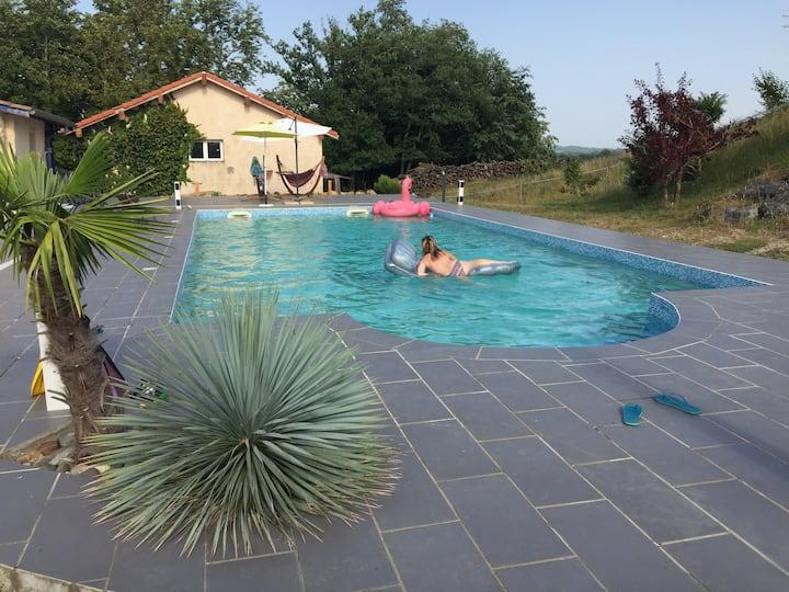 Chambres d'hôtes spacieuses très calmes, piscine