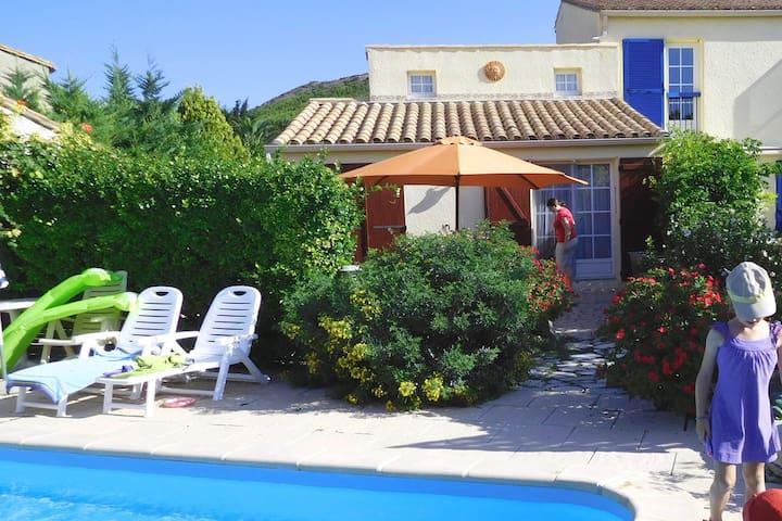 Das Ferienparadieschen in Süd-Frankreich mit Pool