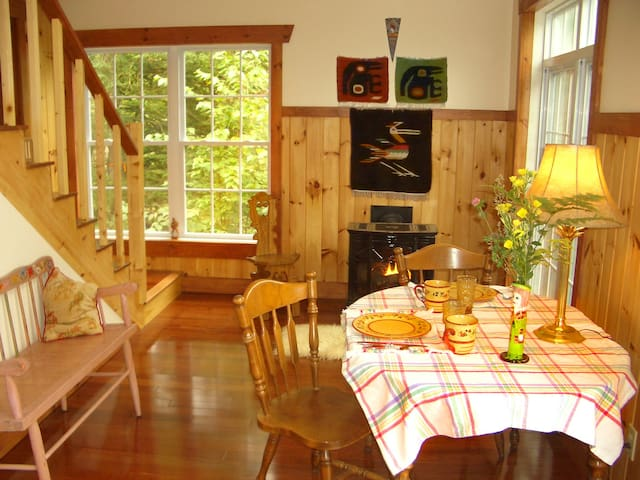 Sunny, breezy dining area. Propane stove for romantic evenings.