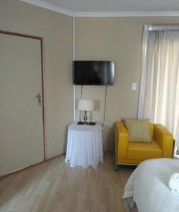 Seroloana Guesthouse - Ore Suite