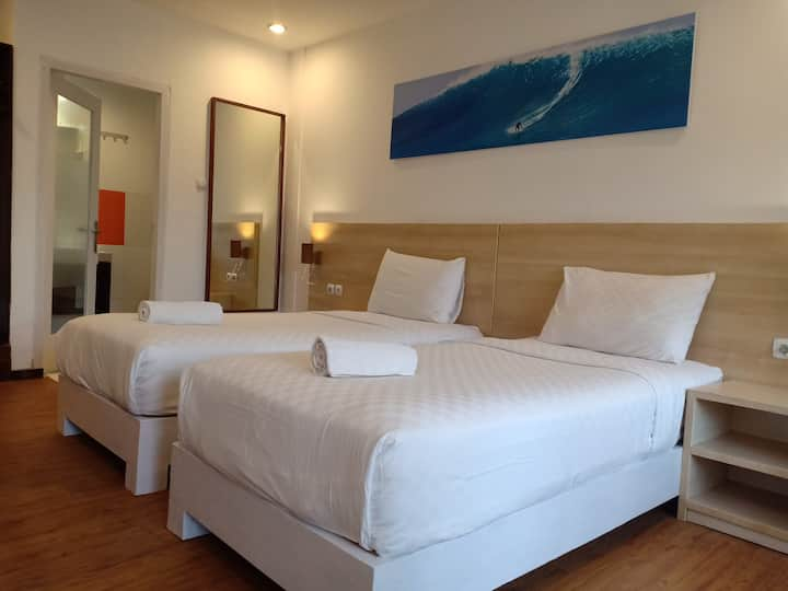 VILLA PHYPHY 1, poolside rooms, & Breakfast !!