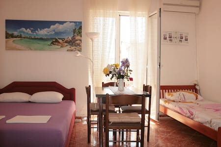 Romantic studio apartment on the beach