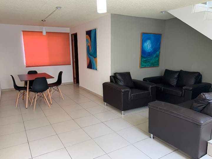 Casa cómoda bien ubicada