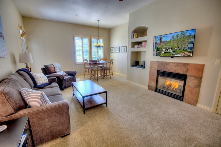 Inviting Upstairs Villa w/ Spectacular Mountain Views & Private Garage LQ170| Sleeps: 2 Bedroom, 2 Bathroom