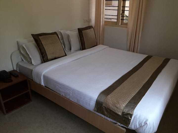 Omatra Stayz - 1 BHK A Holiday Home, Madikeri A