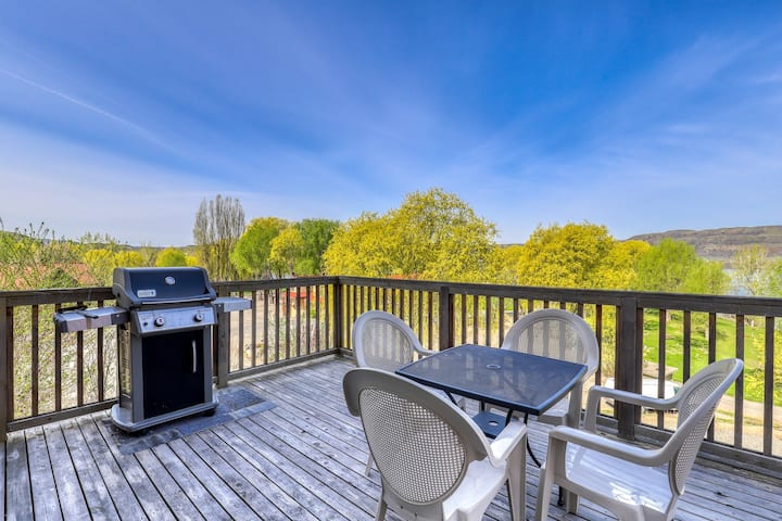 Dog-friendly hillside villa w/ private BBQ & shared dock/resort amenities!