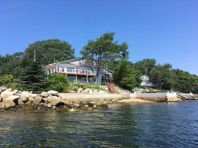 Oceanfront Dream Suite
