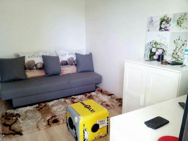 sous location montpellier location courte dur e chambres louer airbnb montpellier. Black Bedroom Furniture Sets. Home Design Ideas