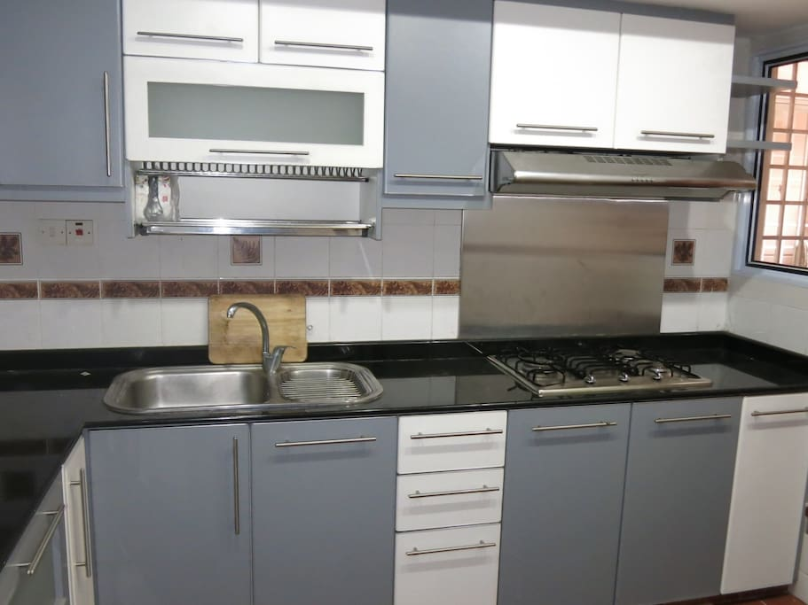 Fully furnished kitchen,