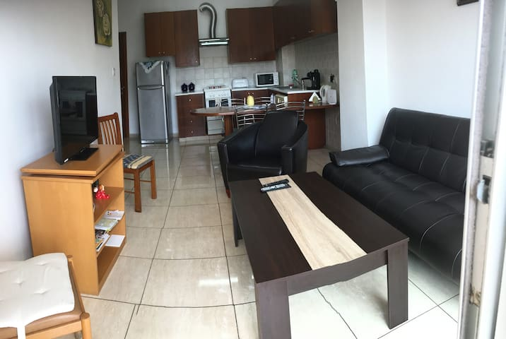 FLAT NEAR THE BEACH AND THE CENTER OF LARNACA