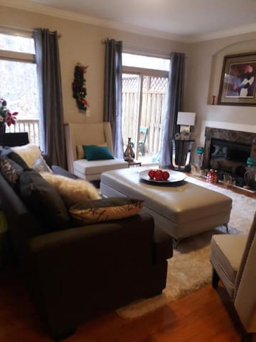 Luxury townhouse with view. - Buford - Other