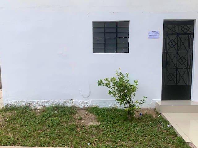 Mini departamento frente a parque para hospedarse