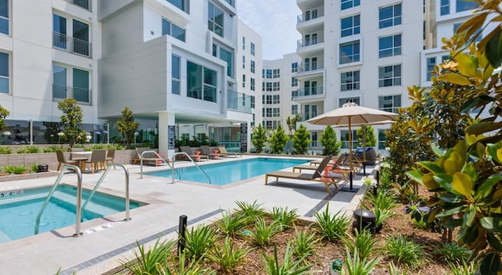 Luxury 1BR | Patio | King Bed | Staples Center
