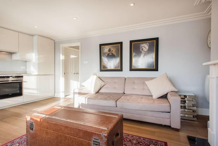 Luxury 1st Floor Apartment in Notting Hill