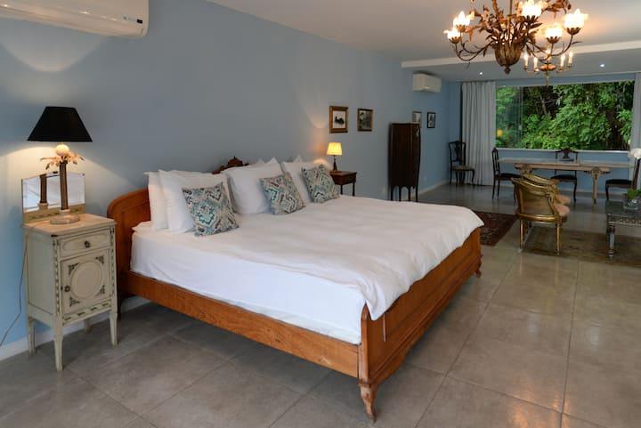 Penthouse Suite com Hidromassagem