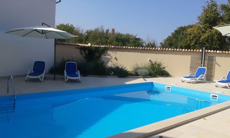 Marlene apartment+ POOL /10 persons - Brtonigla - Apartamento