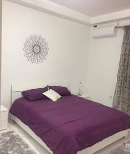 Cosy double room in central Sliema - 塔斯-斯利馬