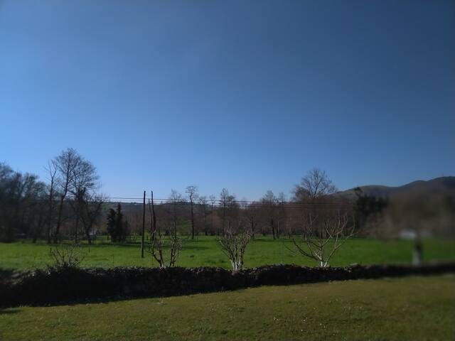 Hermosas vistas y cercanía al entorno rural.