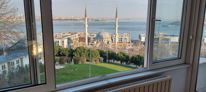 Penthouse! panoramic Bosphorus and old city view!!