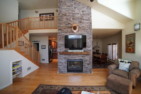 ♥ Family Condo on Ski Hill Road Near Grand Targhee