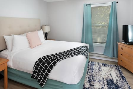 Charming one bedroom suite in Cannon Beach image 1
