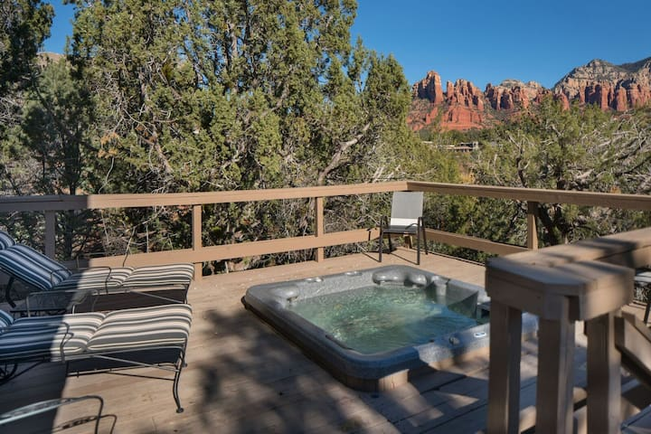 Charming home that has a deck and hot tub to enjoy the unique distinction of glorious red rock views as well as private creek access! BREWER - S001