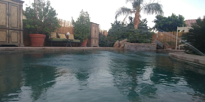 Large Private Pool, Spa, Indio House sleeps 12