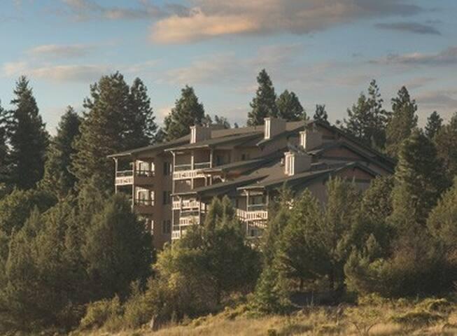 Oregon-Running Y Resort 2 Bdrm Condo #2