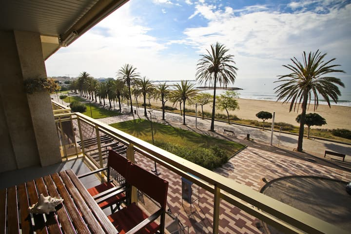 GOLF ST JORDI 2 Apartment in front of the beach